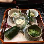 高麗橋桜花 - 月替わりの前菜から御食事の時間が始まります。