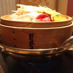 68275825 -                        豚・牛しゃぶと野菜のせいろ蒸し~2種類のタレで~