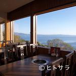 焼肉おがわ - 海を眺めながらお食事が楽しめます