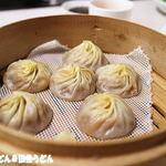 台湾料理 鼎 - 蟹みそ入り小龍包