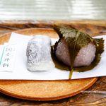 走井餅老舗 - 料理写真:走井餅、桜餅