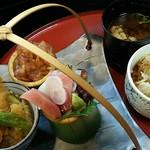 秋田屋 - レディース御膳かぐや姫1250円(税別)                             ミニ海鮮丼、ミニ焼肉丼、ミニ天丼、ミニ稲庭うどん、味噌汁