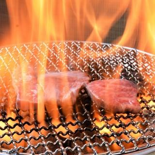 厳選・上質の飛騨牛を秘伝のタレでもみ込む、極上の焼肉!