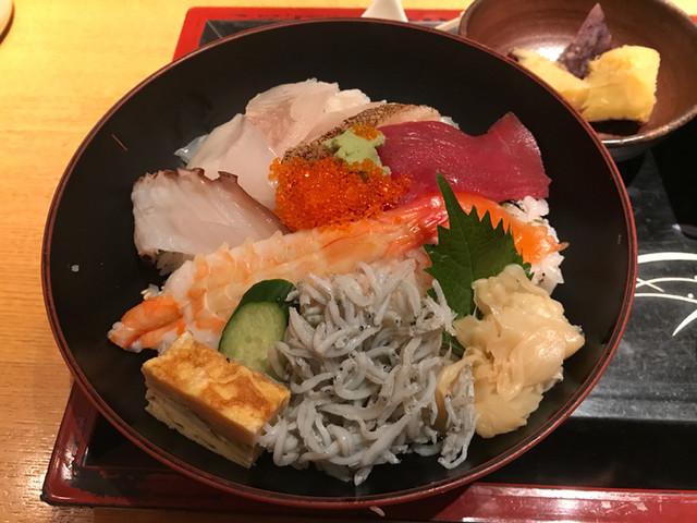 魚匠 基  大門町 - ランチ海鮮丼(大盛)