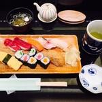 おつな寿司 - ランチにぎり(1,260円)