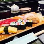 おつな寿司 - ランチに寿司という幸せ!