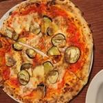 ダ マサ - なすとアンチョビのピザ