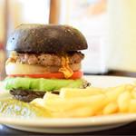 ホーミーズ - チーズバーガー@税込1,100円:バーガーのある風景