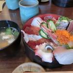 やまひこ鮨 - 「海鮮丼」1,300円