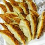 ふくみつ餃子店 - 料理写真:綺麗な焼き色