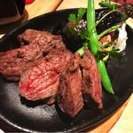 Meet Meats 5バル - 国産黒毛和牛のかぶりのグリル。