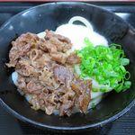 手打うどん 三徳 - 山かけ肉ぶっかけ(冷・小) 690円