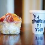Henry's Place - カットフルーツとアイスクリーム