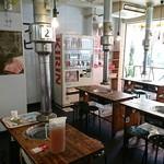 肉のオカヤマ直売所 - 店内2