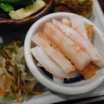 旬菜‐小豆 - イカとちくわの明太子和へ、昆布とイカのあえ物