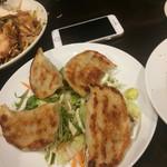 中華菜館 水蓮月 - 鉄板太餃子