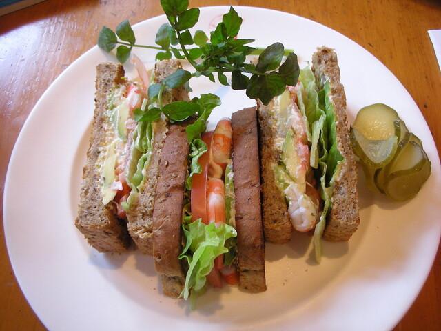 フランクリン・アベニュー - 海老とアボガドのサンドイッチ