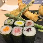 サカナスペース - トロ、野菜の巻寿司。アスパラ、海老、穴子の天ぷら。