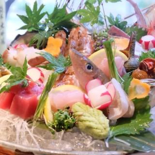 秋のおすすめ新鮮&旬の魚介を職人のお寿司やお刺身で愉しむ。