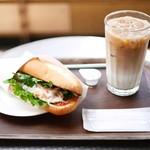モリバコーヒー - モリバサンド 海老のバインミー セット¥540