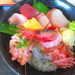ととすけ - 海鮮丼 アップ