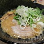 麺家 神明 - とんこつ+味噌味ラーメン