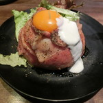 神保町ビーフ - ローストビーフ丼900円