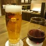 カフェ コメコ - ビールと赤ワイン