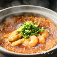 チャイニーズキッチン粤香 - 海鮮と春雨のバーベキューソース 土鍋煮込み