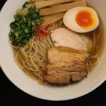麺屋 サマー太陽 - 県産丸鶏スープの塩ラーメン