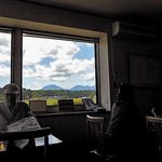 そば処 しろやま - 西側の窓から日光連山が望めます