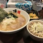 頂 - 豚骨醤油+チャーシュー丼セット