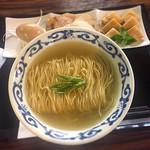 桜木製麺所 - 料理写真:特製塩中華 880円
