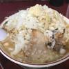 がっつり食堂ドカメン - 料理写真:子豚ラーメン大にんにく(¥700)+野菜(¥50)+玉ねぎ(¥50)