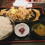 和彩酒蔵 だるま - 生姜焼き定食 ごはん大盛り