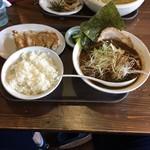 ぼっけもん - 節だし醤油ラーメン(880円)+ギョウザ・ライスセット(450円)