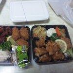 きんちゃん弁当 - 唐揚げ弁当と牡蠣フライ弁当