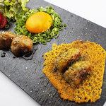 大人の鉄板 Basaro - 当店は鶏も得意です!みつせ鶏の甘みと食感を最大限に活かした「みつせ鶏生つくね」