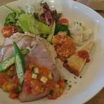 カフェ サラマンジェ~カフェ食堂 - 料理写真:プレートランチ ローストポーク