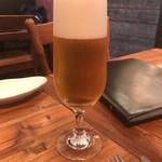 パイス バスコ - ちょっと早めに到着したのでひとりビールを。