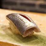 東麻布 天本 - 料理写真:大阪湾の鰯