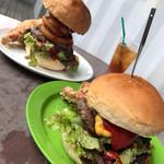 エヌオーエヌハンバーガーカフェ - 料理写真:ハンバーガーたち