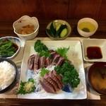 万咲食堂 - 料理写真:かつおの刺身定食 ¥2000