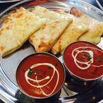 ヒウツリ - チーズナンとカレー