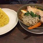spice&cafe SidMid - スープカレー チキンに野菜追加