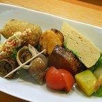 佐々庄 - 彩りも美しい10数種類の前菜