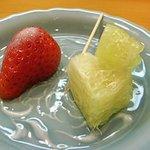 佐々庄 - デザートは苺と晩白柚でした