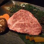 焼肉亭 - ぜいたくロースステーキ
