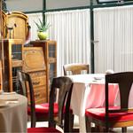 レストラン アラジン - 明るい店内