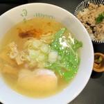鶏そば 日和 - 鶏そば(塩)+ガーリックライス